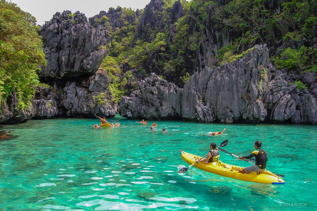 which island to visit in Philippines