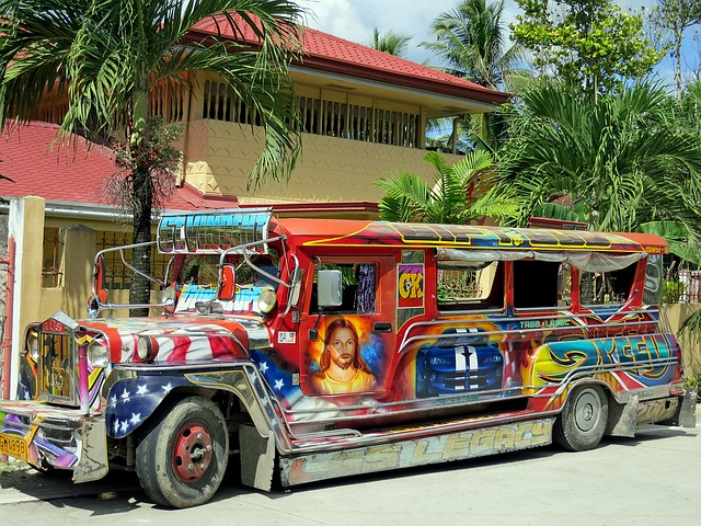what is famous for manila for shopping jeepneys