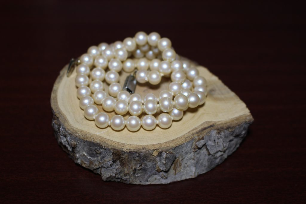 what is famous for manila for shopping pearls