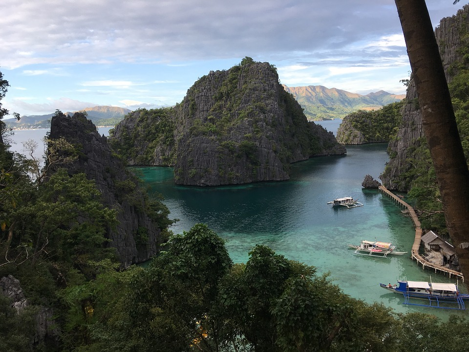 Beachfront hotels in Coron Palawan